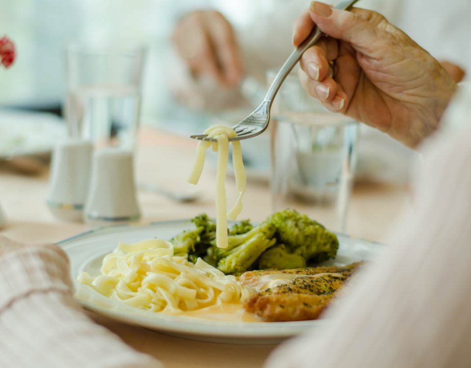 Gutes Essen im Speisesaal des Haus Münsterblick. Schmackhaft angerichtet von unseren Hauswirtschaftskräften.